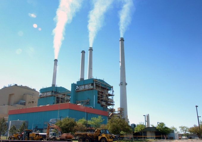 To meet Paris climate targets, some power plants may need totake an early retirement_5d726d1569956.jpeg